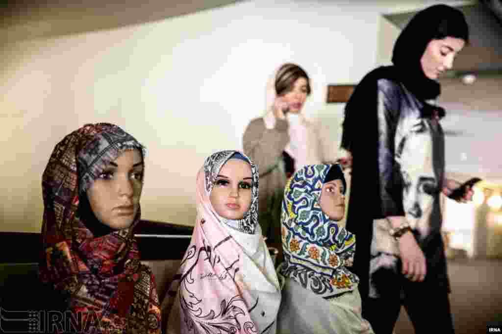 جشنواره مد و لباس فجر در تهران عکس: اکبر توکلی