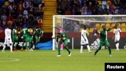 L'équipe du Nigeria célèbre un but marqué face au Mali, le 8 novembre 2015. (REUTERS/Ivan Alvarado)