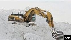 Meteorologët parashikojnë deri në 60 centimetra dëborë në Çikago