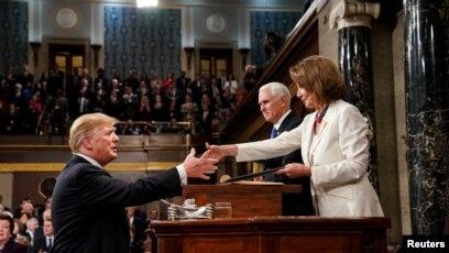 bf38067732 Trump s 2020 Democratic Rivals Pounce to Criticize State of the ...