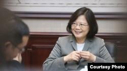 蔡英文接受台湾《自由时报》采访(摘自蔡英文脸书)