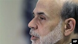 Federal Reserve chairman Ben Bernanke addresses a Federal Reserve conference in Boston, Oct 2010 (file photo)