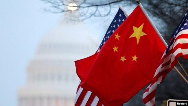 Quốc kỳ Mỹ và Trung Quốc ở thủ đô Washington.