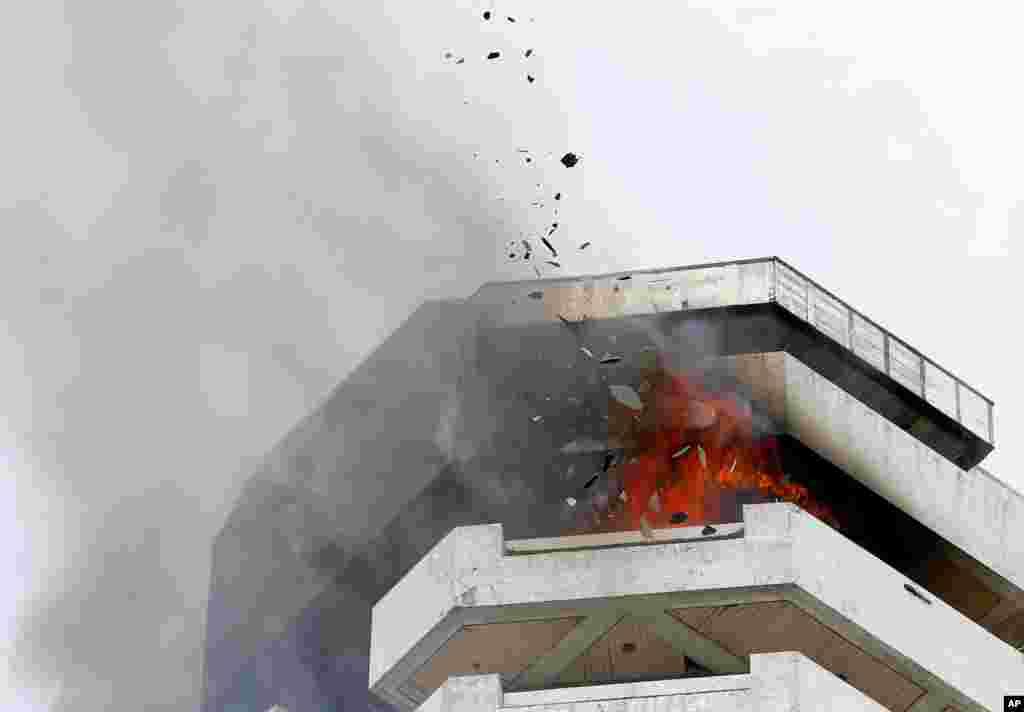 آتش سوزی در ساختمانی ۲۱ طبقه در جنوب پایتخت فیلیپین.