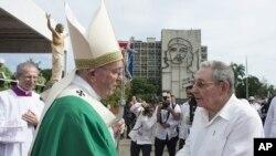 Папа Франциск и Рауль Кастро. Гавана, 20 сентября 2015