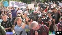 'Siyasetçiler 'İşgal' Gösterilerini Lehlerine Çevirmeye Çalışıyor'