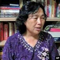 李淑莲讲述被裸体绑架经过(7月初拍摄)