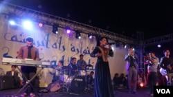 آریانا سعید و آرش بارز نیز در این جشنواره هنرنمایی کردند.