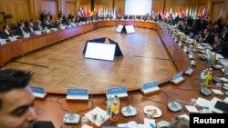 四十个国家外长和代表星期二在柏林开会