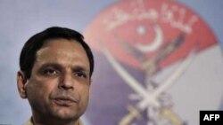 """Phát ngôn viên quân đội Pakistan Athar Abbas nói rằng các bài báo này nằm trong """"chiến dịch bôi nhọ"""" quân đội Pakistan"""