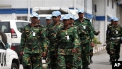 联合国维持和平部队12月31日在阿比让的营地内