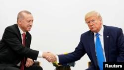 امریکی صدر ٹرمپ اور ترکی کے صدر ایردوان۔ فائل فوٹو
