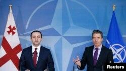 Ираклий Гарибашвили и Андерс фог Расмуссен