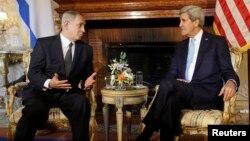 美國國務卿克里(右)在羅馬與以色列總理內塔尼亞胡(左)會晤