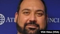 Džordž Benitez, Direktor NATOSource, Atlantski savet, Vašington