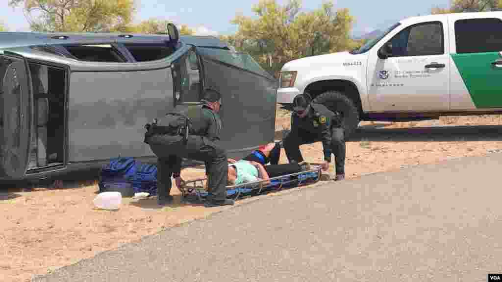 La Voz de América acompañó a agentes de la CBP en su centro de entrenamiento en Arizona donde mostraron cómo esel proceso del rescate de los migrantes por parte de las autoridades. Photo: Celia Mendoza - VOA