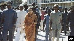 လုပ္ၾကံခံလိုက္ရတဲ့ အိႏိၵယႏိုင္ငံ ဝန္ႀကီးခ်ဳပ္ေဟာင္း Indira Gandhi ။