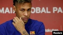 ဘရာဇီလ္း တိုက္စစ္မွဴး Neymar ကို ၿပင္သစ္ PSJ ၀ယ္ယူ