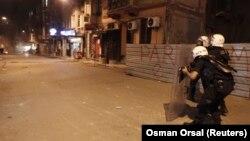 Kobani'deki IŞİD kuşatması İstanbul'da da protesto edildi
