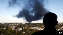 顿涅斯克机场爆炸掀起的硝烟
