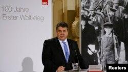 Alman Ekonomi Bakanı Sigmar Gabriel ekonomiyi canlandırma planına karşı