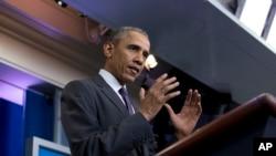 Tổng thống Barack Obama phát biểu tại cuộc họp báo với các sinh viên đại học tại Washington, ngày 28 tháng 4 năm 2016.