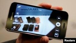 Con el lector de huella dactilar del nuevo Samsung Galaxy S5, los usuarios también pueden medir su ritmo cardíaco.