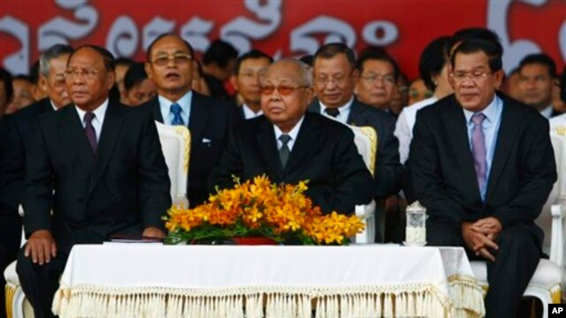 From left: Cambodian National Assembly President Heng Samrin, Senate President Chea Sim, Prime Minister Hun Sen, attend ceremony, Phnom Penh, Jan. 7, 2014.