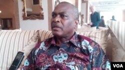 Abel Chivukuvuku anuncia novo partido