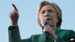 美國民主黨總統候選人希拉里克林頓星期日(10月23日)在北卡競選。