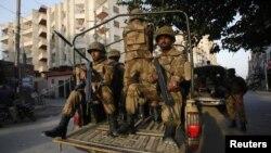 حکومت کا موقف ہے کہ شہر میں قانون نافذ کرنے والے اہلکاروں کی اضافی نفری تعینات کی گئی ہے۔
