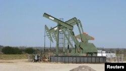 美國德克薩斯州的一架油壓泵。 (2016年1月)