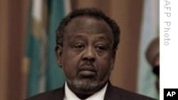 « Nous promettons de faire tous les efforts pour trouver les auteurs et les commanditaires de ce crime barbare », a dit le président Ismaïl Omar Guelleh