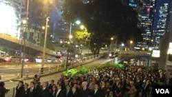 香港法律界舉行反人大釋法黑衣靜默遊行(資料圖片)
