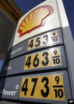 Bir litr benzin narxi bir dollardan oshiq