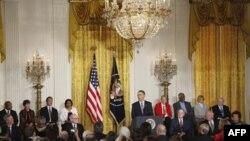 Obama'dan Merkel ve Bush'a Özgürlük Madalyası