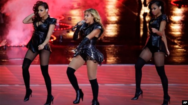 Beyonce performs during the halftime show of the NFL Super Bowl XLVII football game between the San Francisco 49ers and the Baltimore Ravens in New Orleans, February 3, 2013.