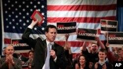 24일 지지자들에게 연설하는 미국 공화당 대선후보 릭 샌토럼 전 펜실베이니아주 상원의원