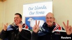 3月11日福克兰群岛居民为岛屿归属的公投结果感到欣喜