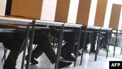 Mecklenburg eyalet seçiminde oy kullanan Alman seçmenler