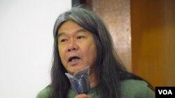 香港社民連前立法會議員梁國雄 (美國之音特約記者 湯惠芸拍攝 )