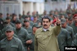 Venesuelada sosialist Nikolas Maduroya dəstək verən Vladimir Putin Avropada ultra-sağçılara, Suriyada isə Bəşar əl-Əsəd kimi avtoritar liderlərə himayədarlıq edir.