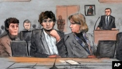 지난 5일 보스턴 마라톤 폭탄 테러 사건의 용의자에 대한 재판이 진행되는 모습.
