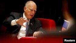 El gobernador de California, Jerry Brown, abogó en Nueva York por el acuerdo climático de París, en anticipación al discurso del presidente Donald Trump ante la Asamblea General de la ONU.