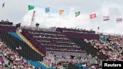 Para sponsor olimpiade yang mendapat jatah tiket banyak tidak menghadiri pertandingan, seperti terlihat dalam kursi kosong pada salah satu pertandingan ini (28/7).