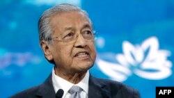 ملائیشیا کے وزیرِ اعظم مہاتیر محمد کا کہنا ہے کہ کشمیر کے معاملے پر انہوں نے اپنے ضمیر کی آواز پر بیان دیا۔ (فائل فوٹو)