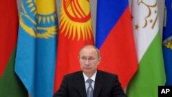 Tổng thống Nga Vladimir Putin hứa sẽ đăng cai một Thế vận hội 'hoành tráng' như để chứng tỏ với thế giới những gì Nga đã làm lại được kể từ khi Liên Xô sụp đổ.