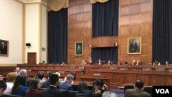 美国众议院外交委员会亚太小组委员会通过法案支持台湾参与世界卫生组织 (美国之音钟辰芳拍摄)