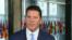 美国务次卿克拉奇接受美国之音专访。(2020年2月19日)
