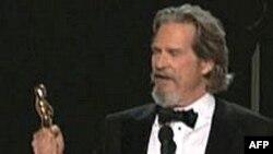Minutat e Hollivudit: Xhef Brixhes, laureat i çmimit Oskar si aktori më i mirë